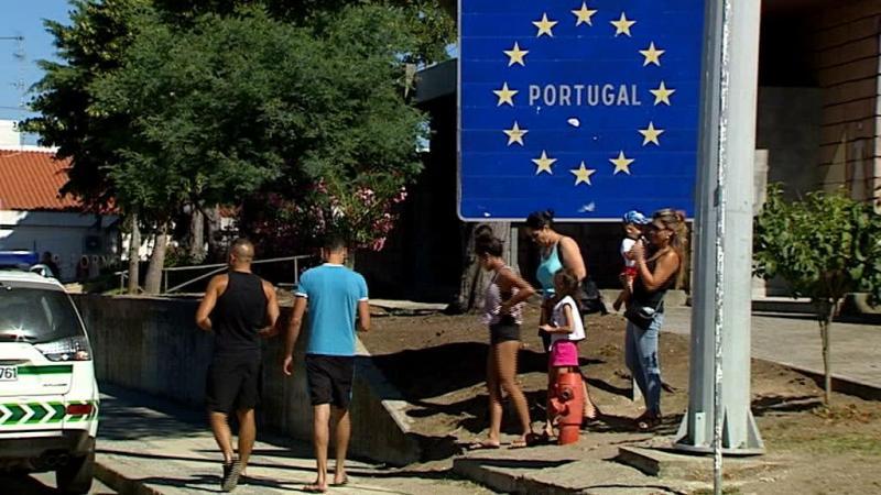 Emigrantes regressam a Portugal