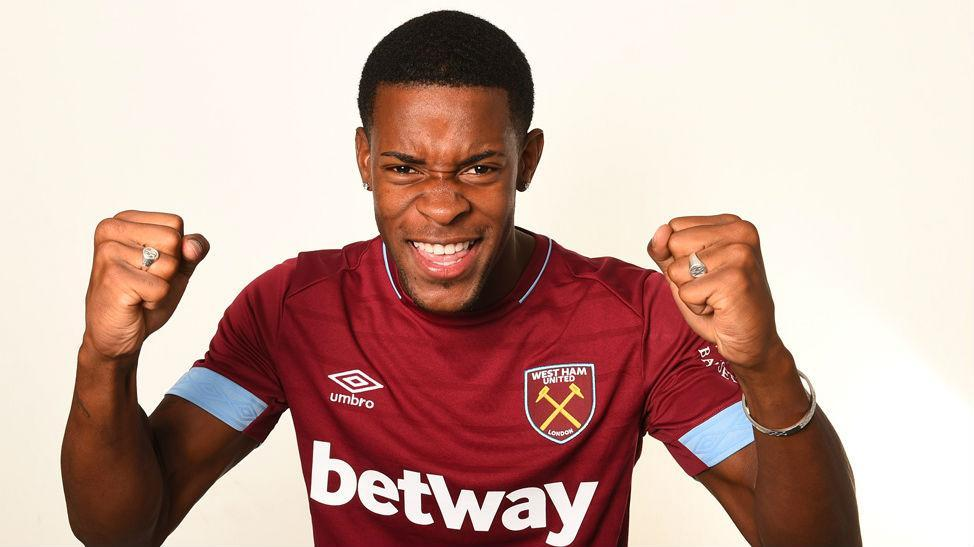 Xande Silva é reforço do West Ham (Site do West Ham)