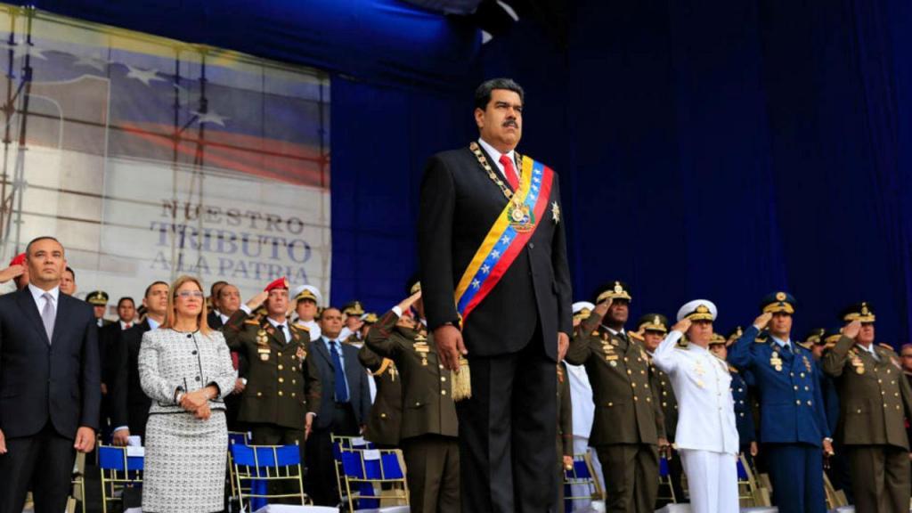 Maduro alvo de ataque em parada militar