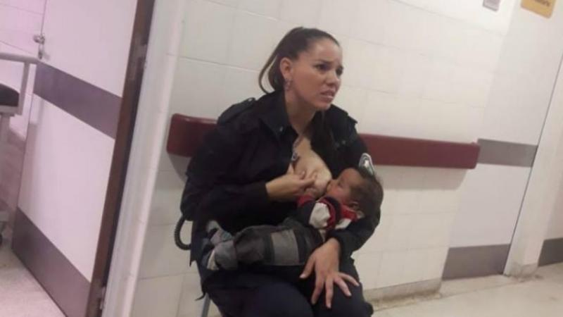 Polícia argentina amamentou um bebé no hospital