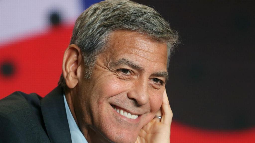 1 - George Clooney é o ator mais bem pago do mundo. Clooney, de 57 anos, arrecadou 278 milhões de euros entre junho de 2017 e junho de 2018, marcando os maiores ganhos da sua carreira de 35 anos no cinema e na televisão, de acordo com a Forbes.