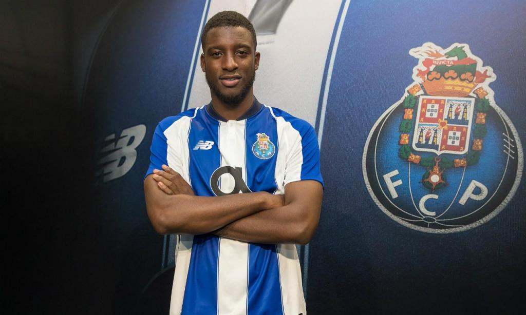 Riechedly Bazoer (Site oficial do FC Porto)