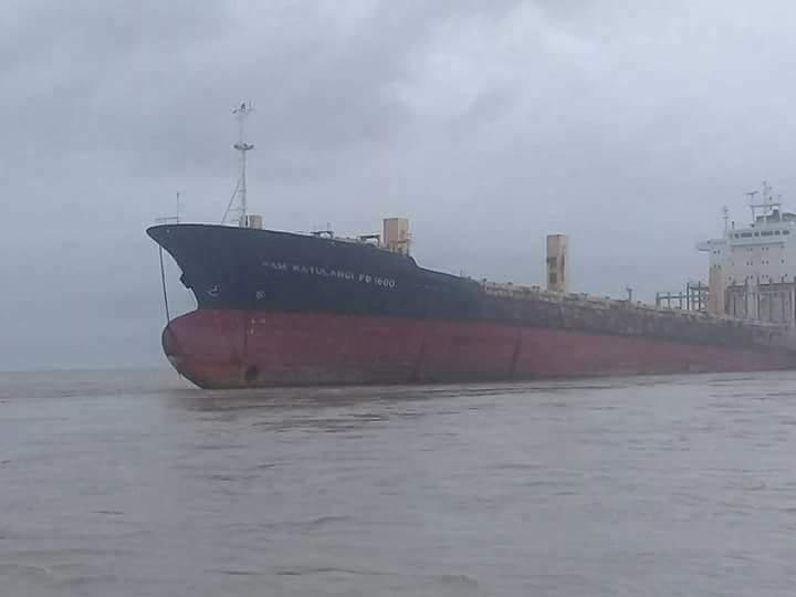 Barco indonésio Sam Rataulangi PB 1600