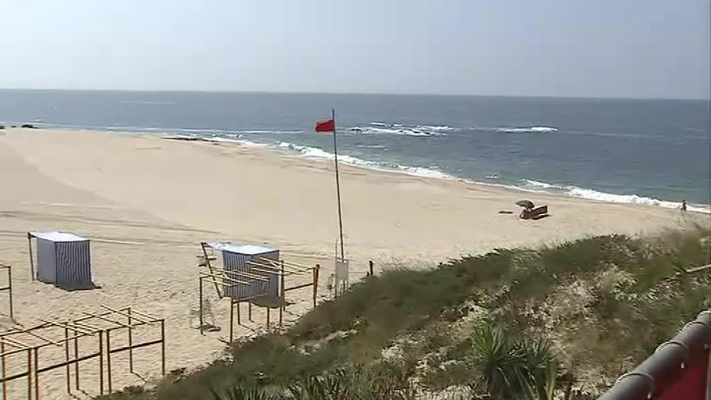 Praia de Vila do Conde interditada a banhos