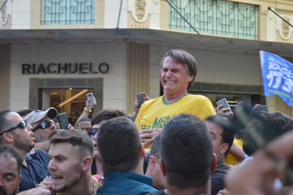Jair Bolsonaro - esfaqueado em Juiz de Fora (Minas Gerais)