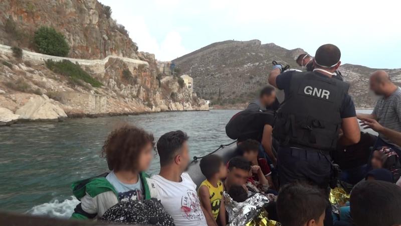 GNR resgata 35 migrantes na ilha de Strongili e auxilia 46 na ilha de Lesbos