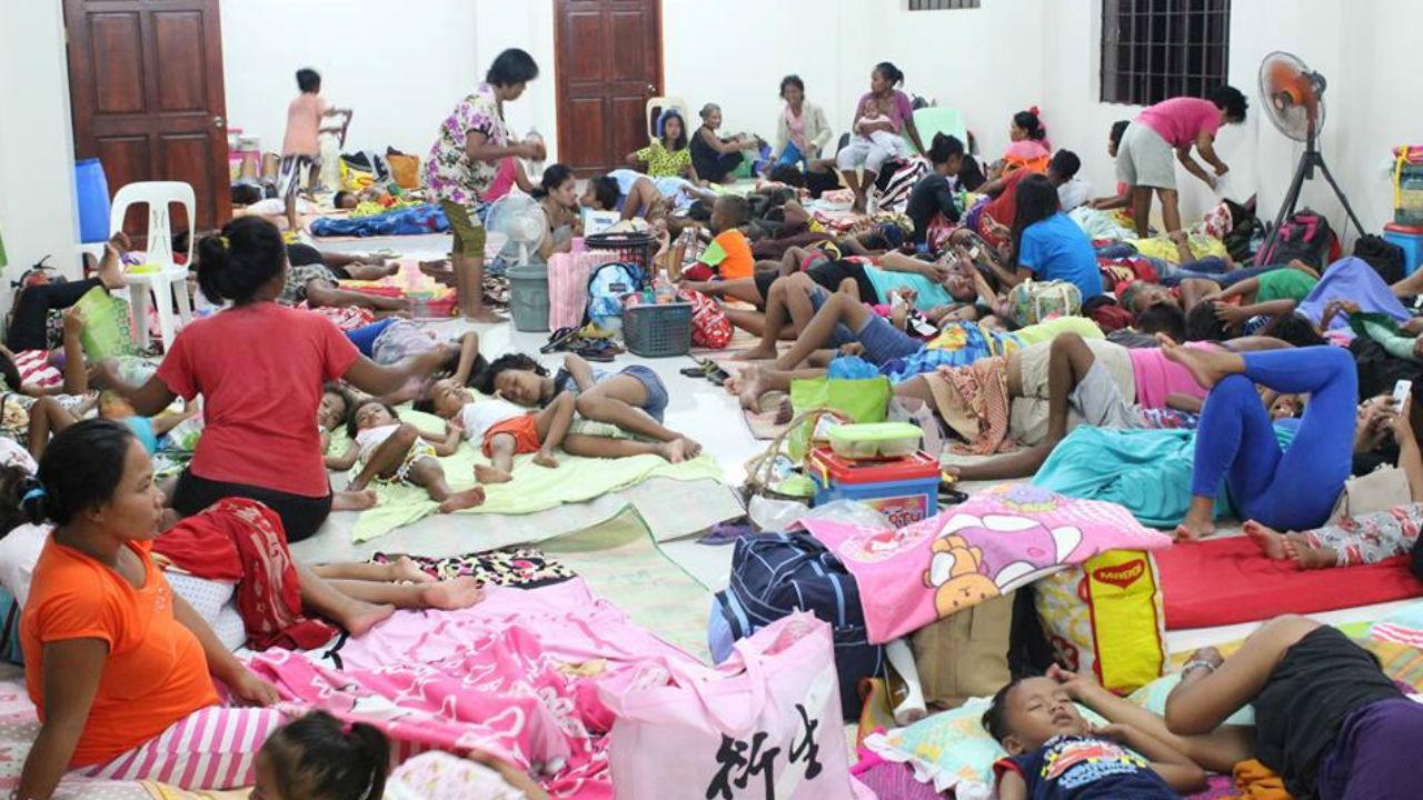 Pessoas retiradas devido ao super tufão Mangkhut