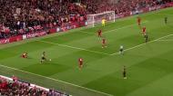 PSG reduz em Anfield com polémica à mistura