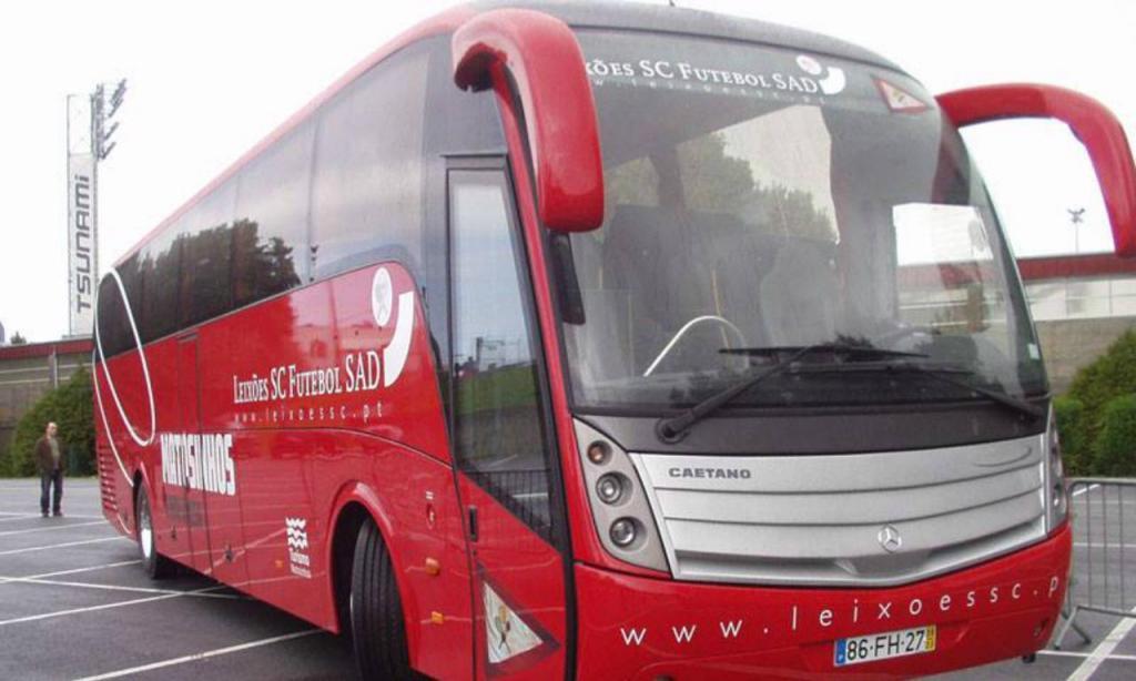 Autocarro do Leixões SC (Foto: Leixões SAD)