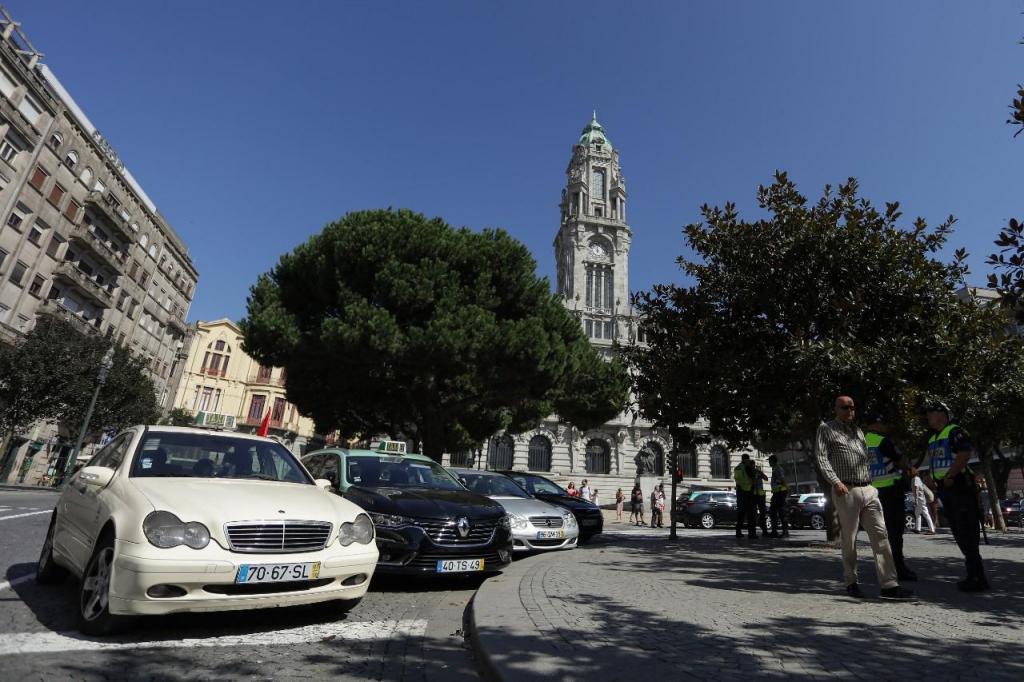 Taxistas em protesto no Porto