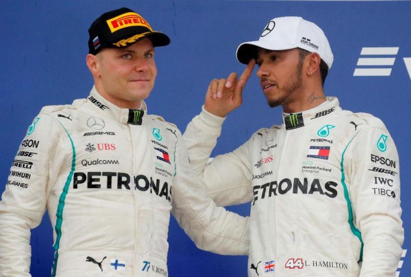Valtteri Bottas e Lewis Hamilton (Reuters)