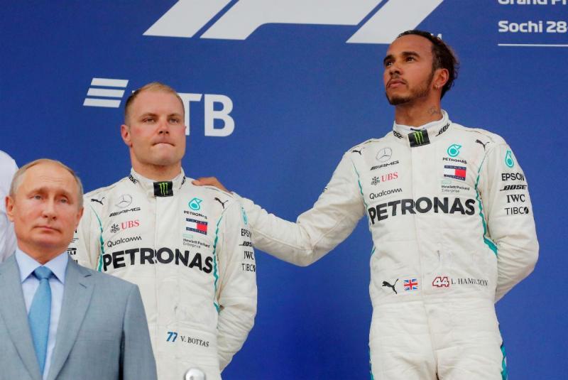 Vladimir Putin, Valtteri Bottas e Lewis Hamilton (Reuters)