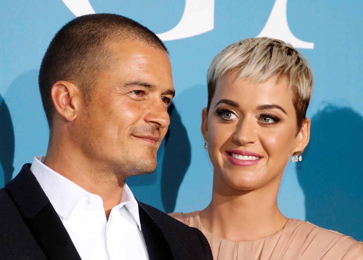 Katy Perry e Orlando Bloom posam pela primeira vez juntos