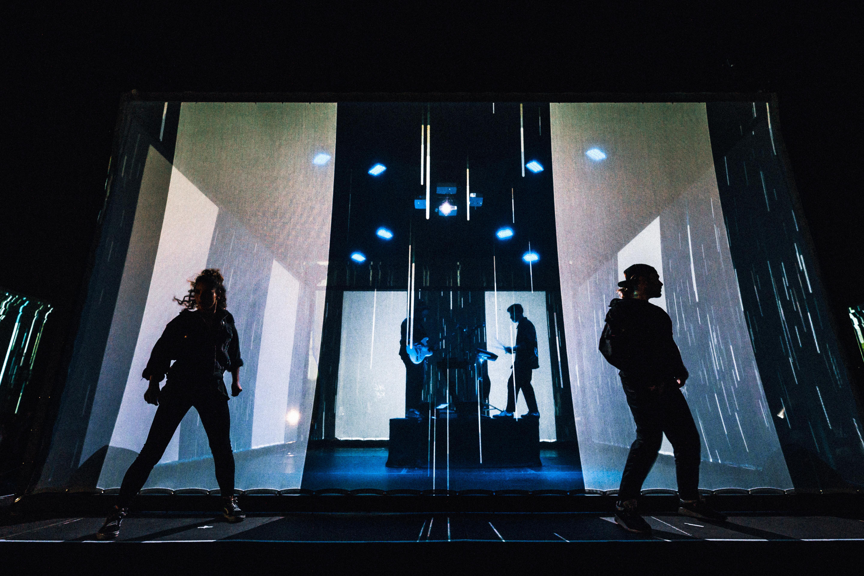 Cifrão apresenta o vídeo mais arrojado de sempre da Online Dance Company