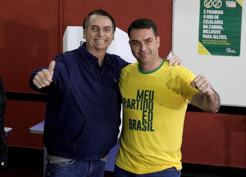 Jair Bolsonaro durante a votação nas presidenciais brasileiras de 7 de outubro