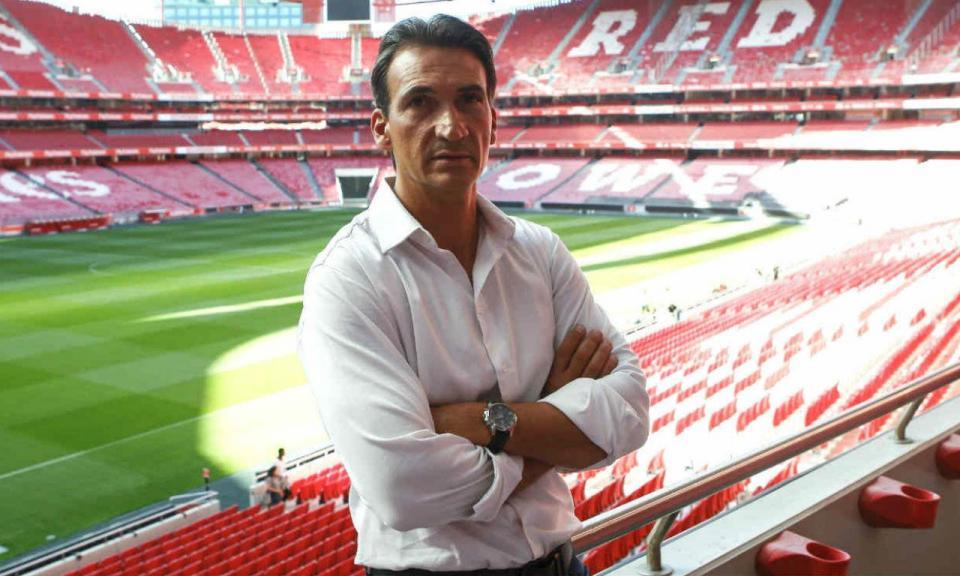 Futebol feminino: treinador do Benfica assume candidatura ao título