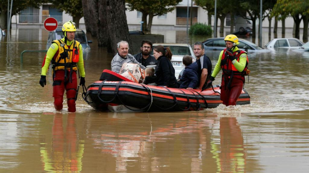 Inundações em França fazem pelo menos 13 mortos