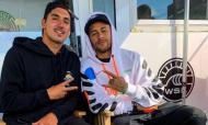 Neymar foi a Peniche ver surf