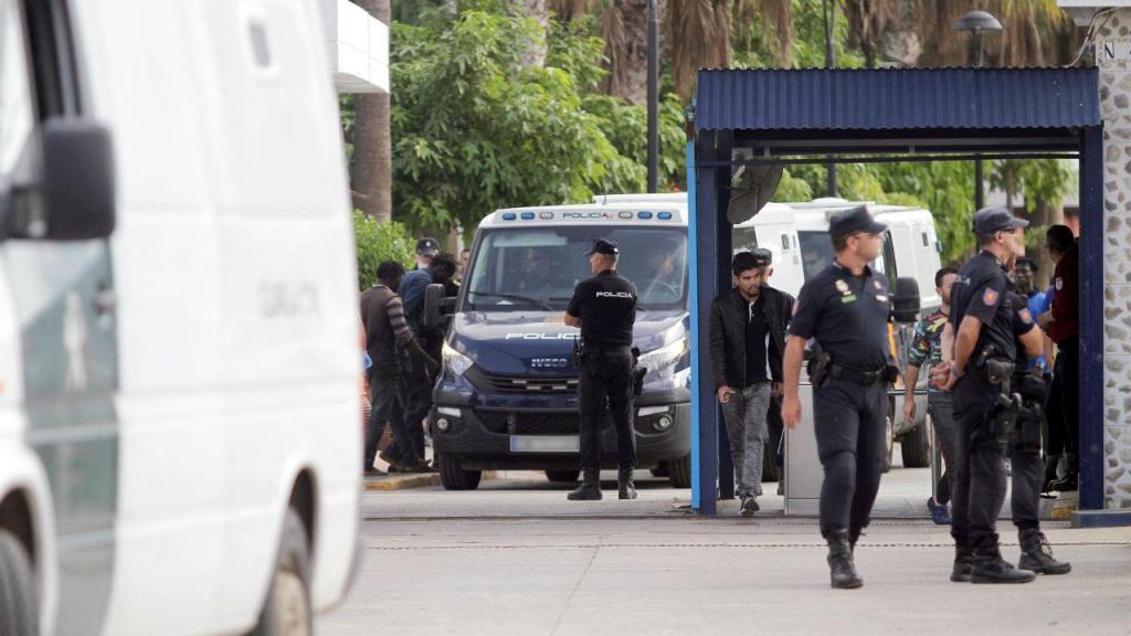 200 migrantes fazem assalto ao fosso de Melilla