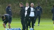 Mourinho nega ida para o Real e não quis falar em português: