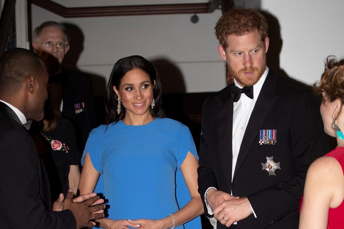 Meghan Markle e príncipe Harry já estão nas Ilhas Fiji
