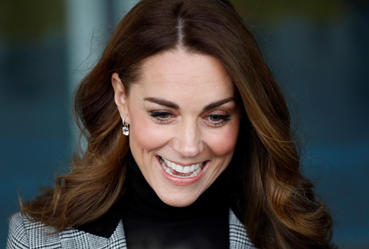 Kate Middleton segue tendência de estilo de Meghan Markle