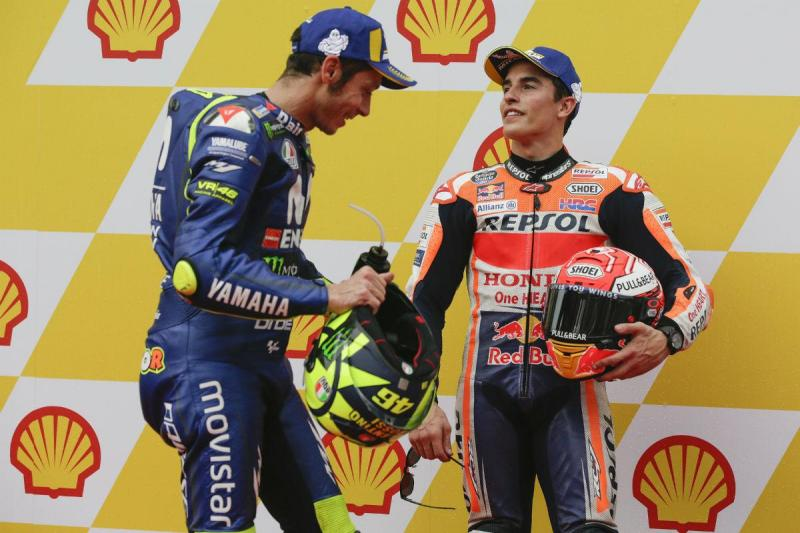 Valentino Rossi e Marc Márquez (Lusa)