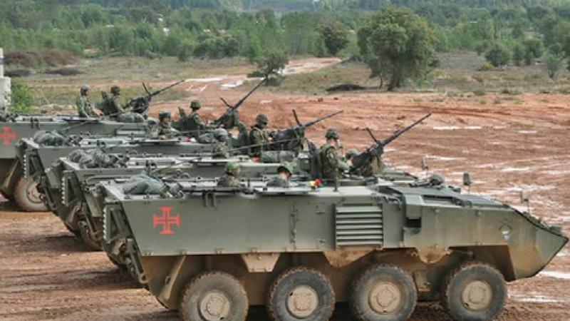Carros de combate, aeronaves e navios marcaram Parada do Armistício