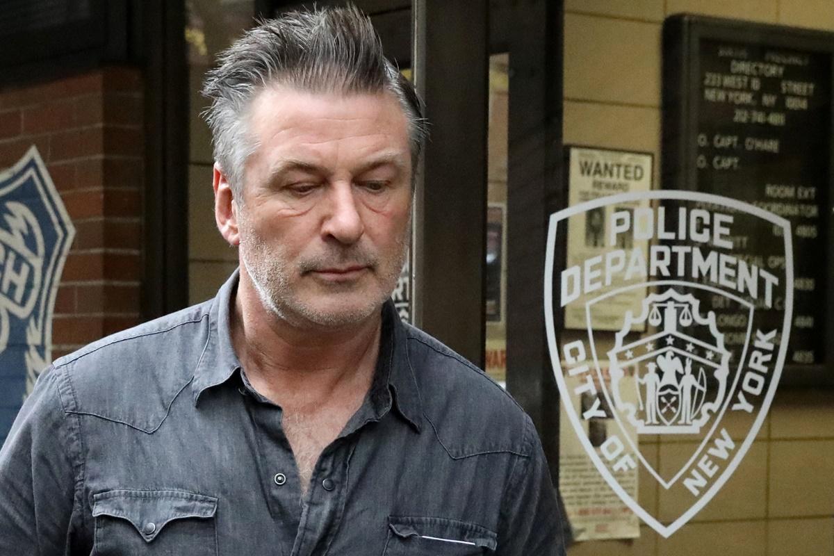 Alec Baldwin detido por agressão por causa de um lugar de estacionamento