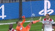 Desvio ajuda Ndombele a fazer o 2-0 para o Lyon