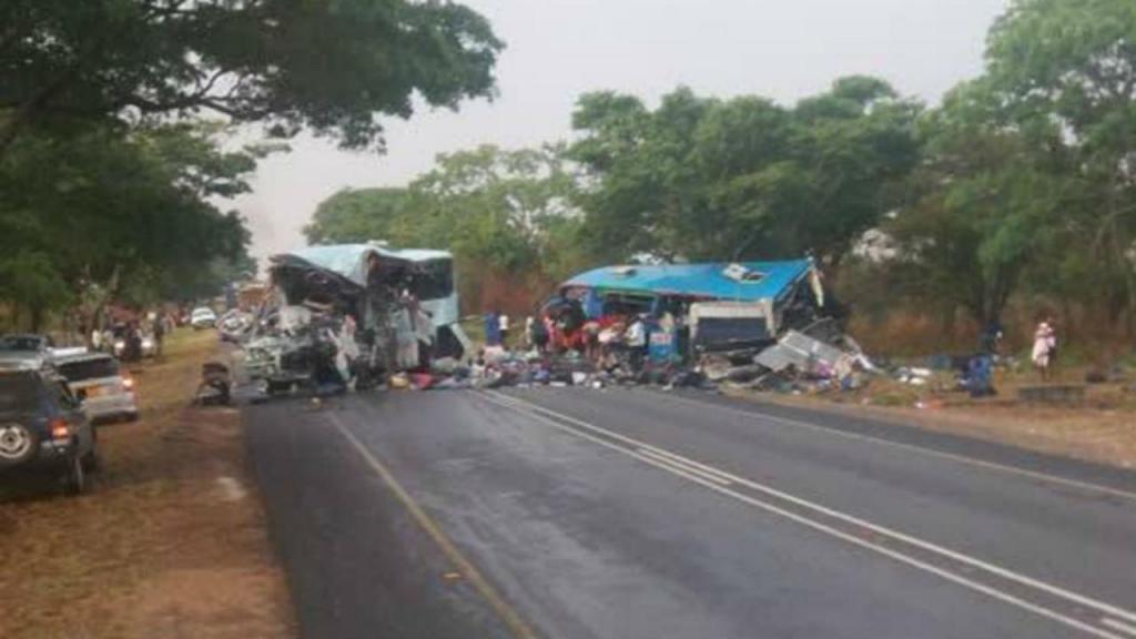 Acidente faz dezenas de mortos no Zimbabué