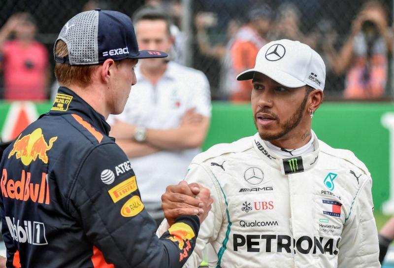 Max Verstappen e Lewis Hamilton (Reuters)