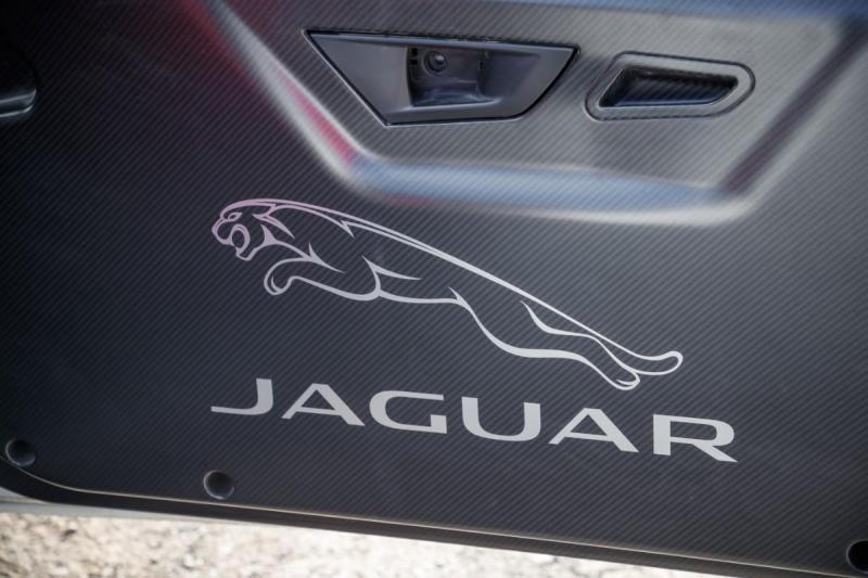 Jaguar F-Type Convertible de rali