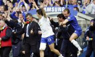 Joe Cole, José Mourinho, Robben (Reuters)