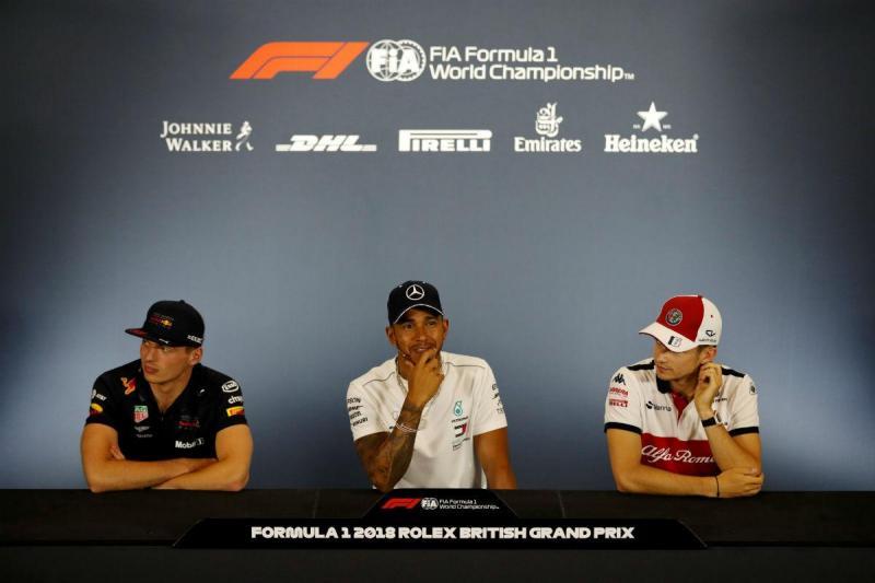 Max Verstappen, Lewis Hamilton e Charles Leclerc (Reuters)