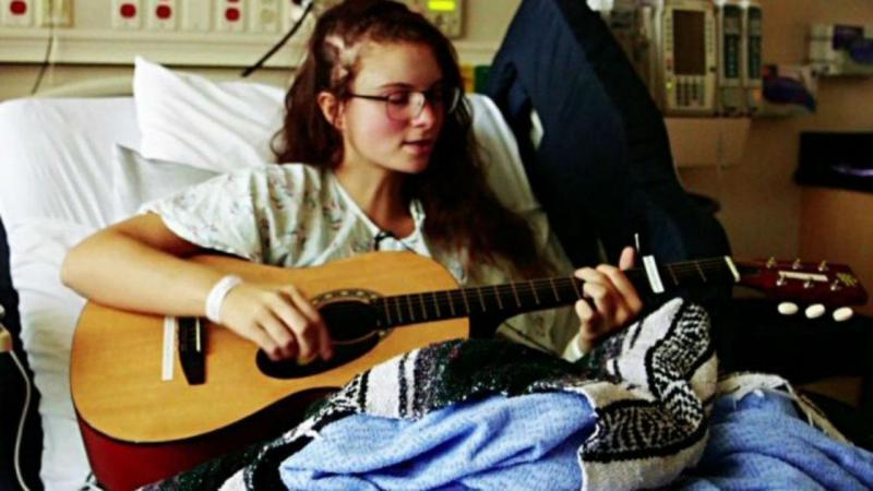 Kira Iaconetti foi submetida a uma cirurgia ao cérebro para remover um tumor que lhe afetava as suas habilidades musicais