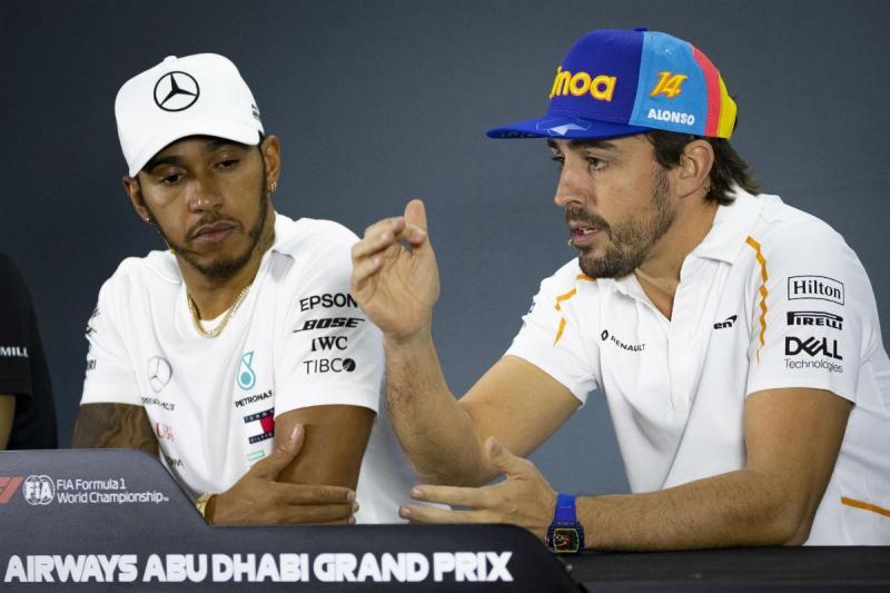 Lewis Hamilton e Fernando Alonso (Lusa)