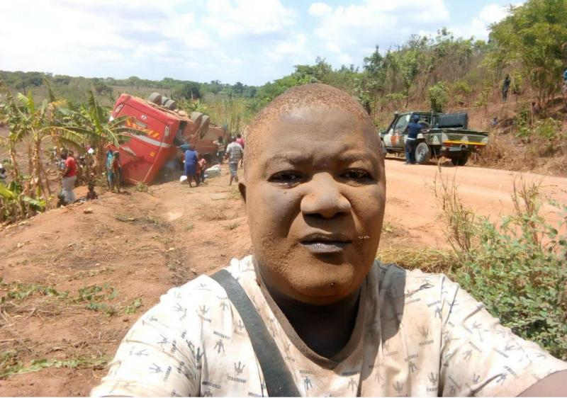 Selfie de homem depois de acidente de autocarro torna-se viral