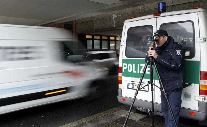 Pistola de radar da Polícia alemã (Reuters)