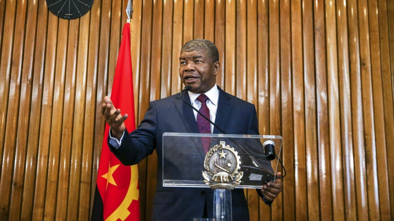 Presidente de Angola em conferência de imprensa em Lisboa