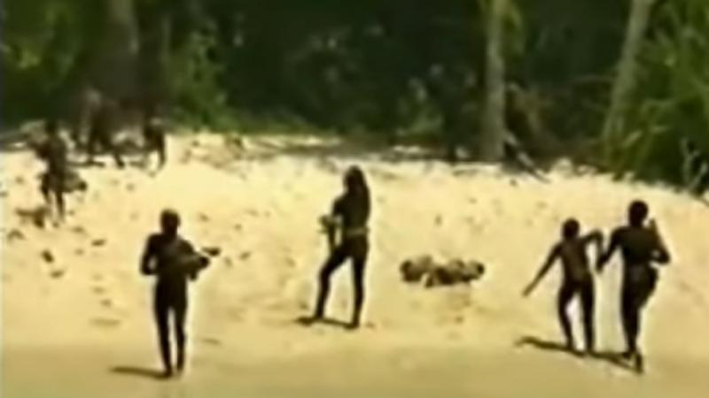 A reação da tribo à chegada de Pandit e alguns investigadores