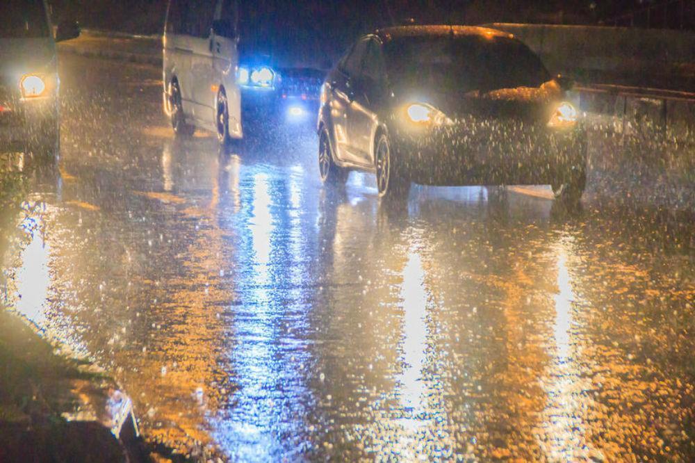 Condução sob chuva forte