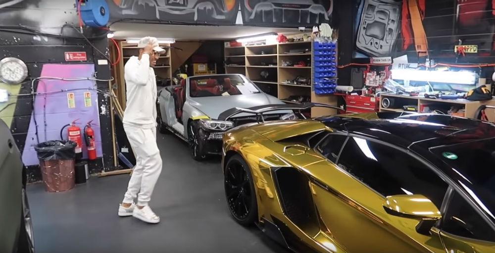 Aubameyang e o seu Lamborghini Aventador (Reprodução YouTube Yannimize)