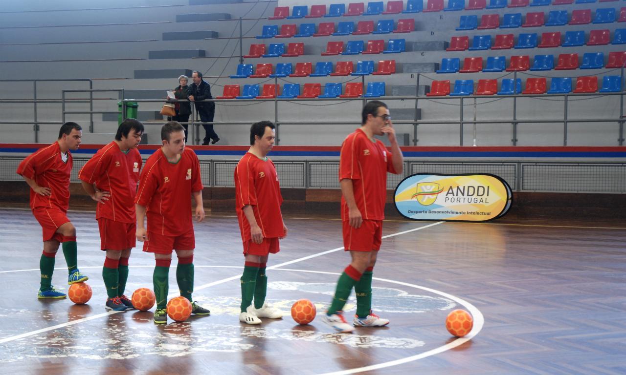 Viagem ao centro de um grupo de campeões (no futsal e na vida ... 5b7bb7bcffd49