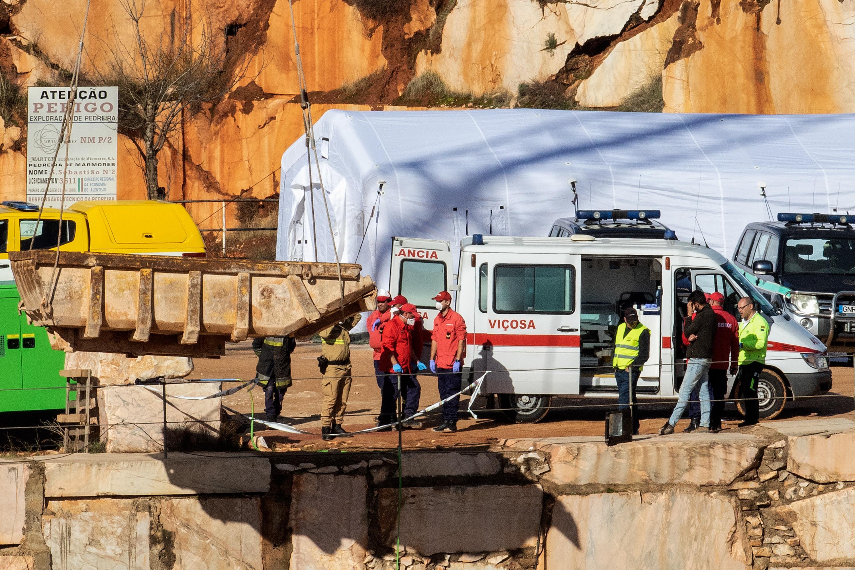 Resgatados mais dois corpos em Borba