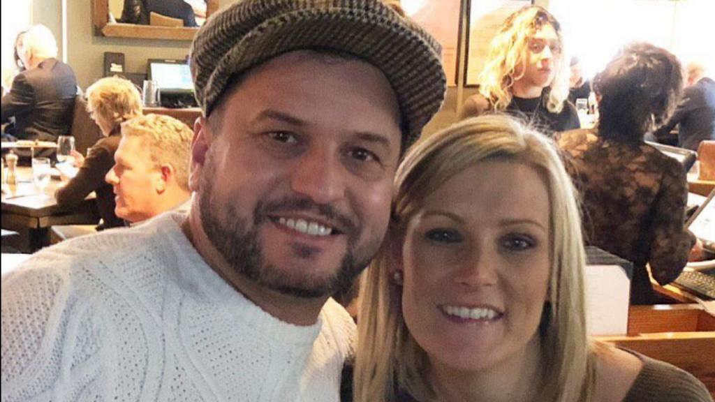O casal britânico que perdeu o anel de noivado em Times Square, Nova Iorque