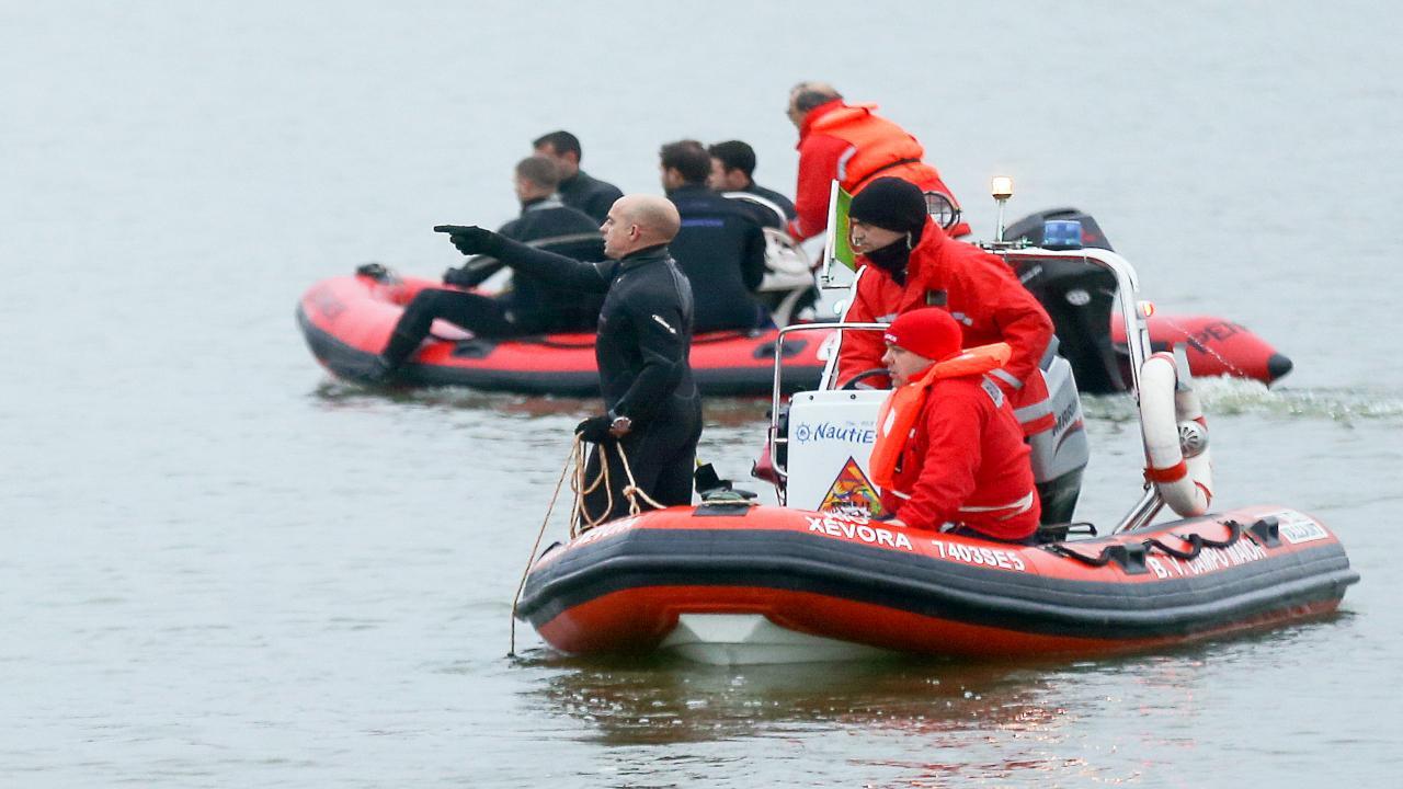 Mergulhadores procuram carro que poderá ter caído no rio Guadiana