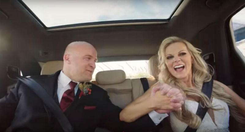 Casamento a bordo de um Cayenne (reprodução YouTube Porsche)