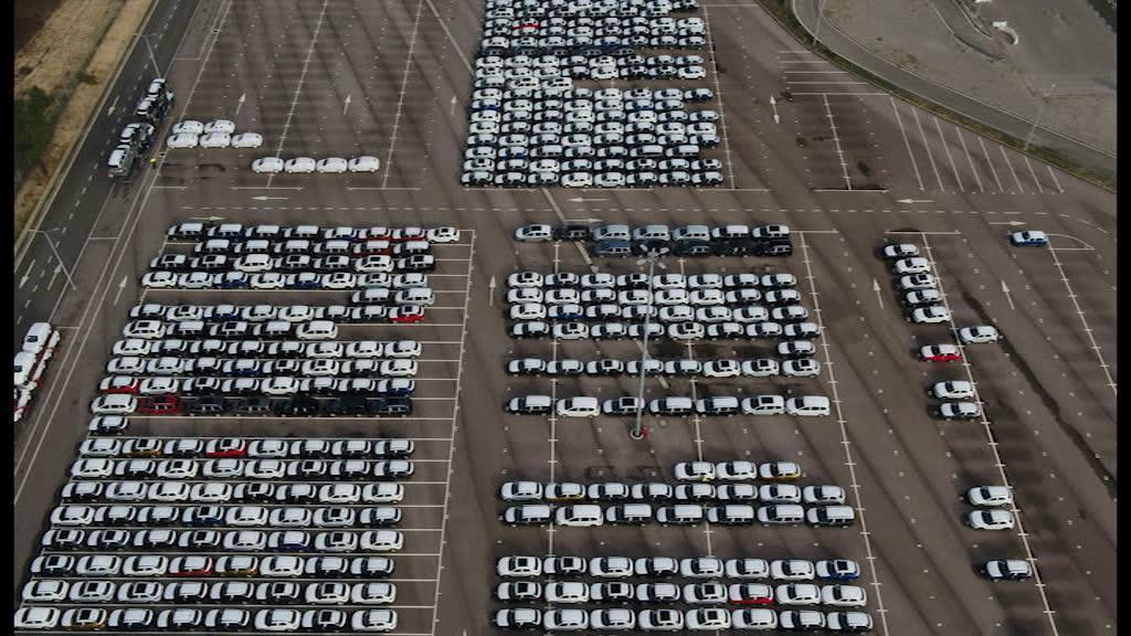 Autoeuropa tem 20 mil carros à espera de transporte marítimo