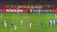Galatasaray reduz de penálti num lance com queixas dos jogadores do FC Porto